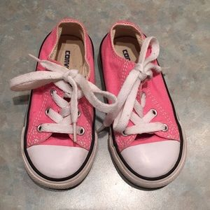 Converse baby runners